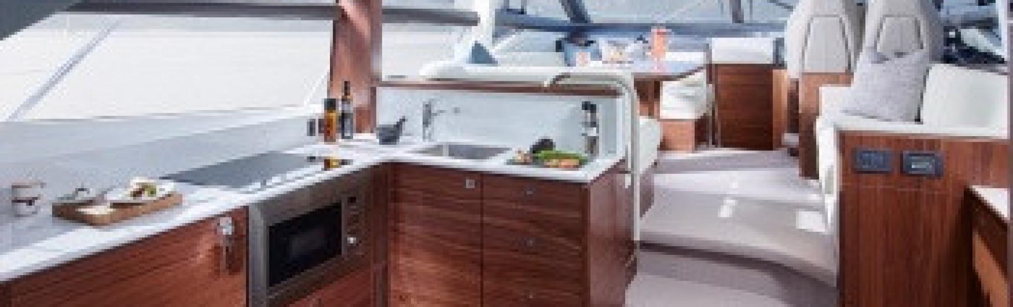 Première Mondiale du Nouveau PRINCESS 49 au Cannes Yachting Festival