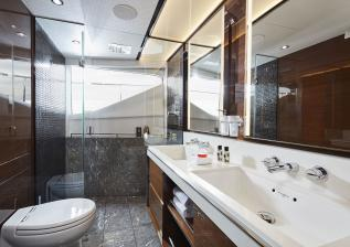 06-30m-hull-4-interior-owners-bathroom-american-walnut-gloss.jpg
