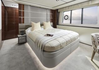 07-30m-hull-4-interior-starboard-cabin-american-walnut-gloss.jpg