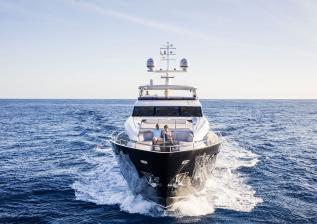 30m-exterior-blue-hull-15.jpg