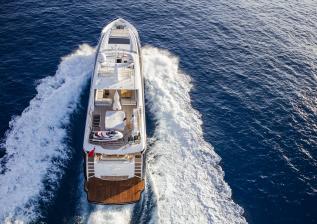 30m-exterior-blue-hull-13.jpg