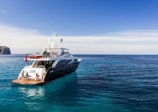 30m-exterior-blue-hull-22.jpg