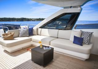 30m-exterior-flybridge-seating-my-anka.jpg
