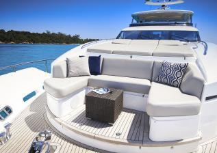 30m-exterior-foredeck-seating-my-anka.jpg