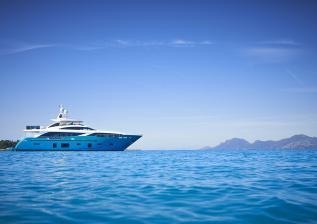 30m-exterior-turquoise-hull-my-anka-1.jpg