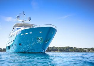 30m-exterior-turquoise-hull-my-anka-5.jpg