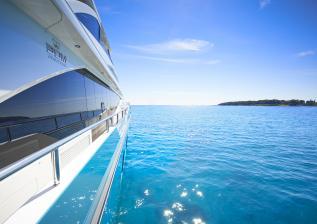 30m-exterior-turquoise-hull-my-anka-7.jpg