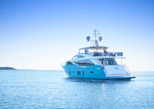 30m-exterior-turquoise-hull-my-anka-10.jpg