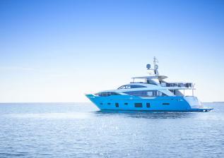 30m-exterior-turquoise-hull-my-anka-11.jpg