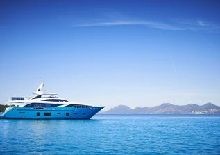 30m-exterior-turquoise-hull-my-anka-13.jpg