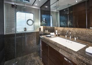 30m-interior-aft-starboard-bathroom-my-anka.jpg