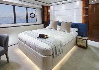 30m-interior-aft-starboard-cabin-american-walnut-gloss.jpg