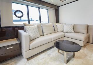 30m-interior-aft-vip-cabin-sofa-my-bandazul.jpg