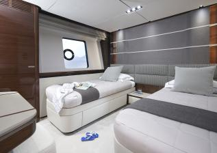 30m-interior-forward-port-cabin-my-anka.jpg