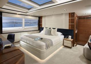 30m-interior-owners-suite-american-walnut-gloss.jpg