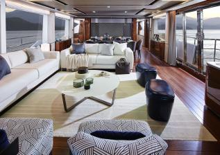 30m-interior-saloon-american-walnut-gloss.jpg