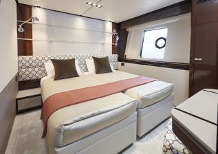 30m-interior-starboard-cabin-my-bandazul.jpg