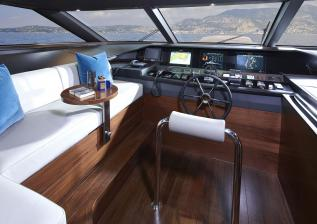 30m-interior-wheelhouse-american-walnut-gloss.jpg