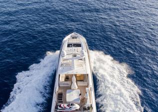 30m-exterior-blue-hull-14.jpg