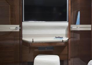 30m-interior-forward-port-cabin-detail-my-anka.jpg
