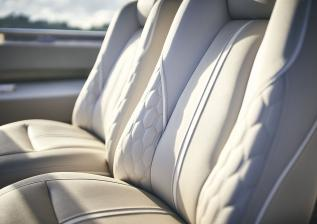 y85-exterior-flybridge-helm-detail.jpg