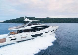 y85-exterior-white-hull-02.jpg