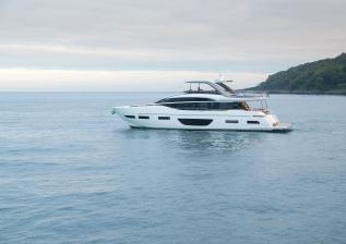 y85-exterior-white-hull-04.jpg