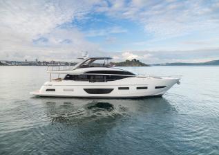 y85-exterior-white-hull-13.jpg