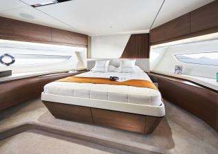 y85-interior-forward-guest-cabin-walnut-satin.jpg