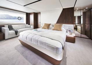 y85-interior-owners-stateroom-walnut-satin.jpg