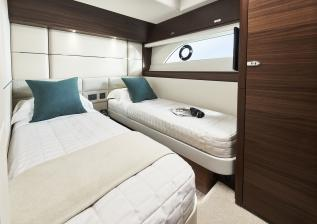 y78-interior-port-guest-cabin-walnut-satin.jpg
