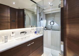 y78-interior-starboard-cabin-bathroom-walnut-satin.jpg
