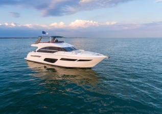 f70-exterior-white-hull-4.jpg