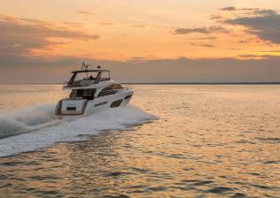 f70-exterior-white-hull-9.jpg