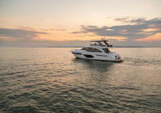 f70-exterior-white-hull-12.jpg
