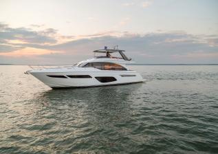 f70-exterior-white-hull-15.jpg