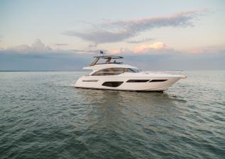f70-exterior-white-hull-16.jpg