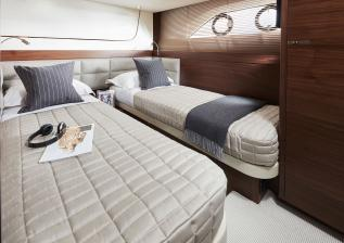 f70-interior-port-cabin.jpg