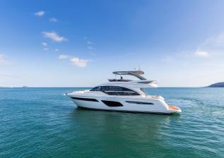 62-exterior-white-hull-8.jpg