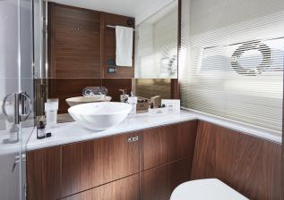 62-interior-starboard-cabin-bathroom-american-walnut-satin.jpg