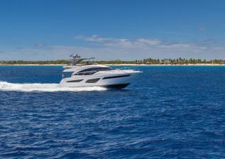 f55-exterior-white-hull-with-hardtop-12.jpg