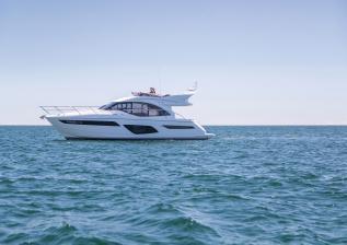f50-exterior-white-hull-04.jpg