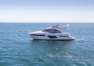 f50-exterior-white-hull-05.jpg