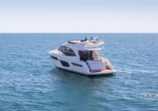 f50-exterior-white-hull-07.jpg