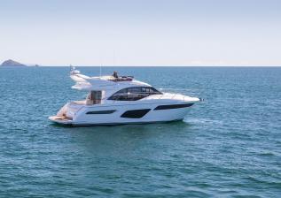 f50-exterior-white-hull-10.jpg