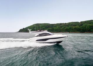 f45-exterior-white-hull-01.jpg