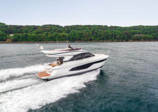 f45-exterior-white-hull-04.jpg