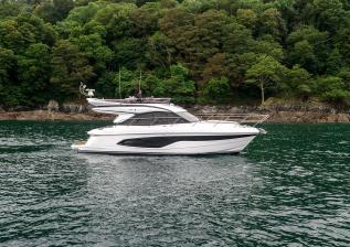 f45-exterior-white-hull-08.jpg