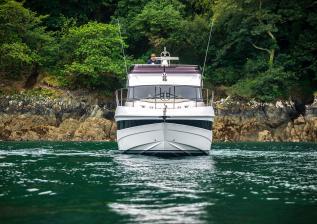 f45-exterior-white-hull-10.jpg