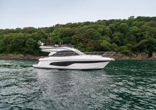 f45-exterior-white-hull-09.jpg